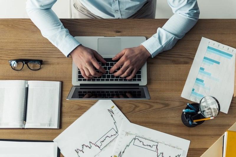 Entrepreneur researching starting glamping business in UK